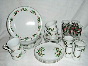 24 pc Vintage Christmas Holiday Dinnerware Dishes Holly pattern with glasses