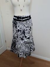 Marella Black & white patterned 100% silk skirt size 10 made in Italy