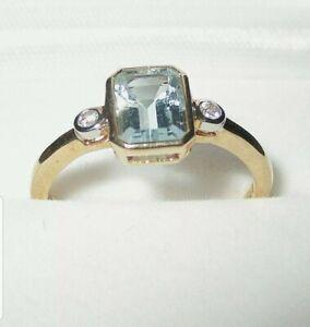 STUNNING SECONDHAND 9ct YELLOW GOLD AQUAMARINE & DIAMOND  RING SIZE L1/2