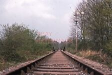 PHOTO  VIEW ALONG THE TRACK AT WEST FIELDS HALT  RAILWAY STATION 1970 LAMBOURN L