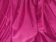 sublime tissu satin glacé fuchsia touché soie chintz en 160 cm de large au mètre