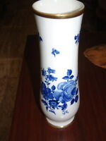 Vintage, rare Varia,German Porcelain and Gold Vase, Etch Cobalt Blau 10 X 4 size