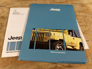 1989 Jeep YJ Wrangler Cherokee Wagoneer NOS brochure press release and photos