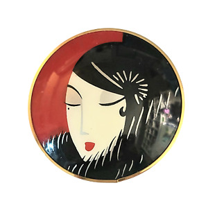 Round Pin with Portrait of 1920s Flapper