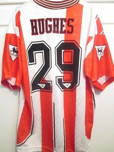 Southampton 1993-1995 David Hughes Home Signed Football Shirt with COA 48169