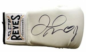 Floyd Mayweather Jr. Signed Cleto Reyes Boxing Glove (Beckett Witnessed COA)