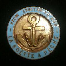 ancien insigne badge  LA BOETTE A PÊCHE  pêche sportive en mer  Fishing Club
