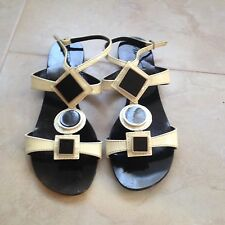 Tapeet by Vicini Women's  Sandals Size 7 Made in Italy