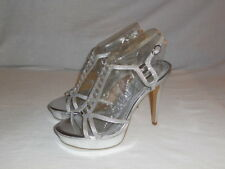 New SHI by Journeys Lipstick Heels Siler Womans size 8M