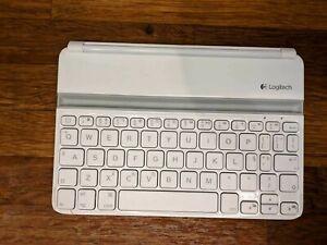 Logitech Ultrathin Keyboard Cover for iPad mini