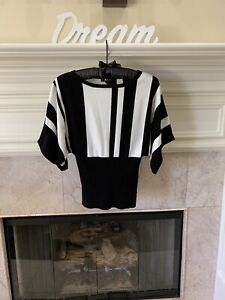 Style & Co Black & Cream Dolman Sleeve Sweater Top Size Small Macy's