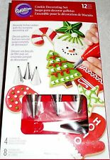Wilton COOKIE Decorating Set 12 Pieces - (8) Disposable Bags & 4 Decorating Tips