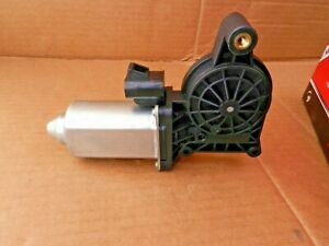 Power Window Motor Cardone 82-178 Left Front and Rear New