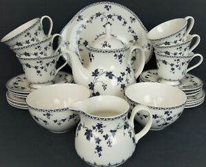 Royal Doulton YORKTOWN TC1013 Tea Set for 6 inc Tea Pot 24 pieces