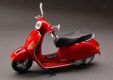 Vespa Piaggio Gts 300 Super 2008 1:12 Model 57243 NEW RAY