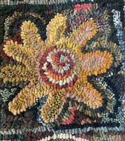 BIG FLOWER ~ MY PRIMITIVE THINGS COLLECTION ~ LINEN RUG PATTERN