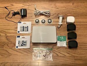 Netgear Arlo Wireless VMB3000 + 4 Cameras + 12 Batteries + 3 Arlo Skins Preoqnee
