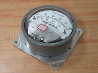 Dwyer 2000-0AV Magnehelic Pressure Gauge W31X DR