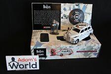 "Corgi Austin FX4 London Cab with News paper print + figurine ""The Beatles"" (JMR)"