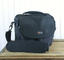 Lowepro Camera Shoulder Bag Black Padded Rain Cover Included Small