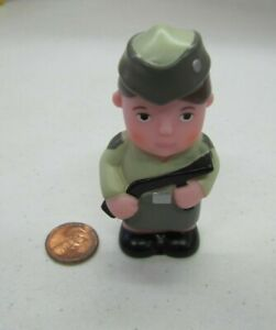 """PLASTIC WOMAN SOLDIER ARMY w/ GUN FIGURE Replacement 3"""" Town for Little People"""
