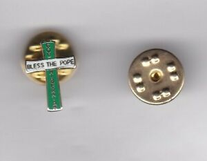 """Hibernian """" God Bless the Pope """" - lapel badge butterfly fitting"""