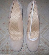 Women's Land's End Shoes Sz 10 Suede Beige Quilted Insole Pumps Heels