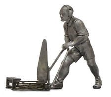 Denizen RD39 Mechanic With Front Jack - Unpainted Metal Figurine 1/43 Scale
