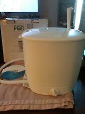 The Laundry POD LP001WHT Non-Electric Portable Washing Machine, White/Green New