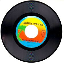 FOLLOW FASHION MONKEY - Bunny Wailer (R69963)