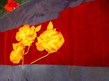 mercerie ancienne ,3fleurs tissus +tissus violine en plus 90cmx18=chapeaux ,etc