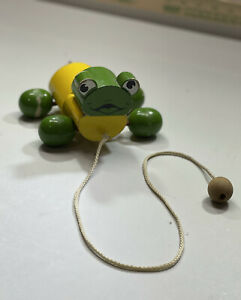 VINTAGE BERO WOODEN Frog Pull along Toy ( Made In Italy)