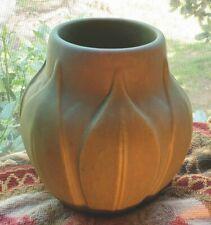 Roseville VELMOSS #136-6 vase MINT Leaf Motif NO CHIPS, FLAWS OR REPAIRS