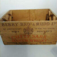 Vintage CUTTY SARK Scotch Whiskey Wooden Box Crate Berry Bros New York