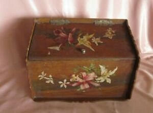Door And Range Mail Antique Wooden To Decoration Floral Wallpaper