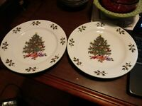 "Gibson Noel Morning Christmas  Set of 2 Dinner Plate 10"" Christmas Tree"