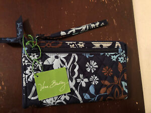 Vera Bradley Java Floral Zip Around Wrislet  Wallet NEW with Tags