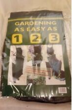 GARDEN APRON WITH ATTACHED BAG FOR GARDEN WASTE - MAKES GARDENING EASIER