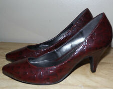 CONNIE SIZE 8 DRESSY WOMENS PUMP MAROON  DRESSY CASUAL SHOES EXCELLENT CONDITION