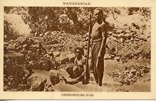 CARTE POSTALE / MADAGASCAR / CHERCHEURS D'OR