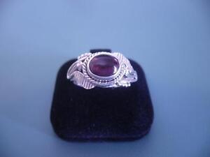 Genuine Sterling Silver 925 - Rhodolite Garnet Gem Ring Leaf Detail - 9 R.5  6g