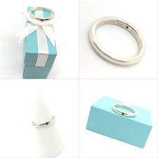 Beautiful Silver and Emerald Tiffany & Co Elsa Ring -UK size L