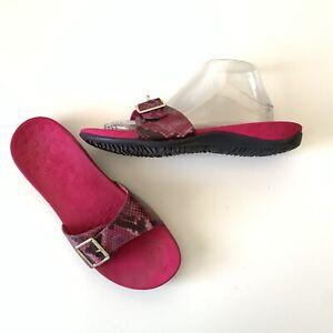 Vionic Women's sz 9 Santos Raspberry Pink Snake Print Slip On Slide Sandals