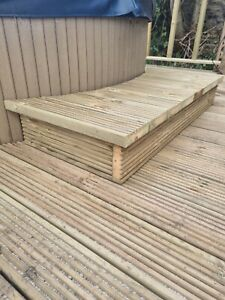 Hot Tub/Jacuzzi decking timber step. Steps for round spas