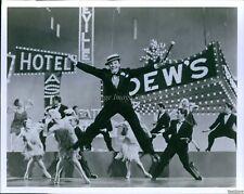 Vintage Gene Kelly Dances In 1952 Musical Singin' In The Rain Movie Photo 8X10
