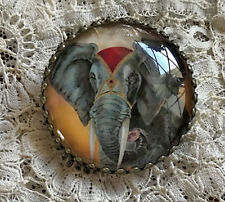 "BEAUTIFUL CIRCUS ELEPHANT Glass DOME STUDIO BUTTON 1 1/4""  VINTAGE LABEL ART"