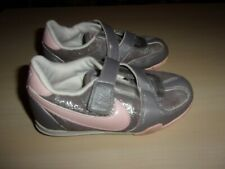 Nike Baskets Grey, Silver & Pink girls trainers size 8