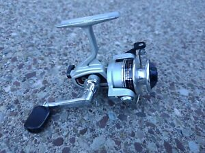 Vtg Daiwa 70X Spinning Fishing Reel Ultra-Light 4-6# Nice working order made in
