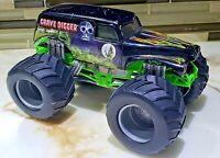 Hot Wheels Monster Jam Grave Digger Monster Truck 1:24