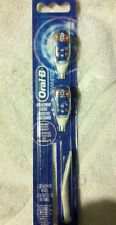 2 Heads ***Oral-B CrossAction Power NEW 3D White Replacement Toothbrush Heads *
